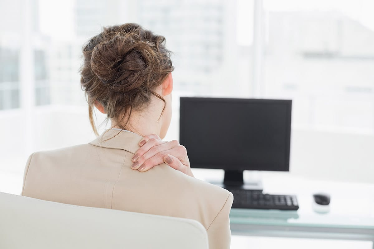 Office work and prolonged periods of sitting: what effects it can have and how to avoid it